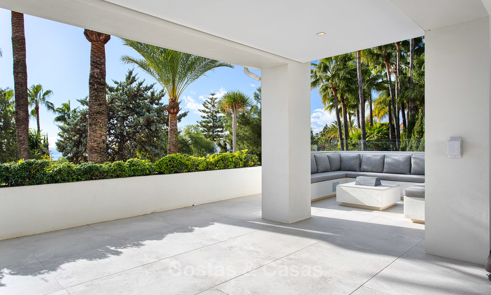 Attractive and spacious renovated luxury villa with majestic sea views for sale, Marbella East 3592