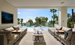 Attractive and spacious renovated luxury villa with majestic sea views for sale, Marbella East 3595