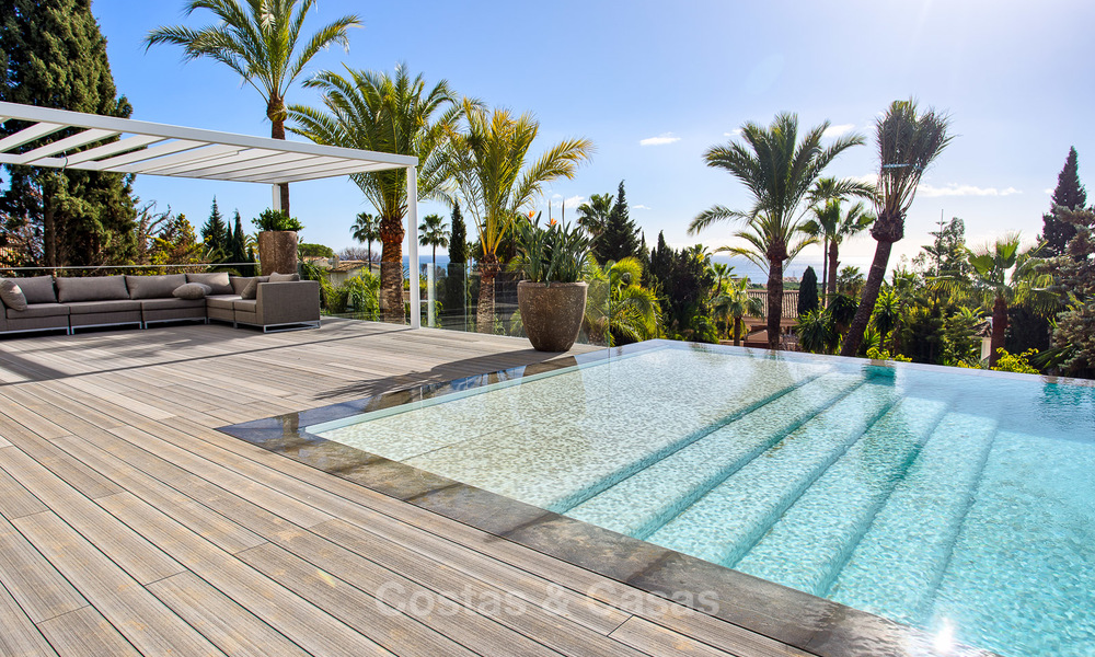Attractive and spacious renovated luxury villa with majestic sea views for sale, Marbella East 3600