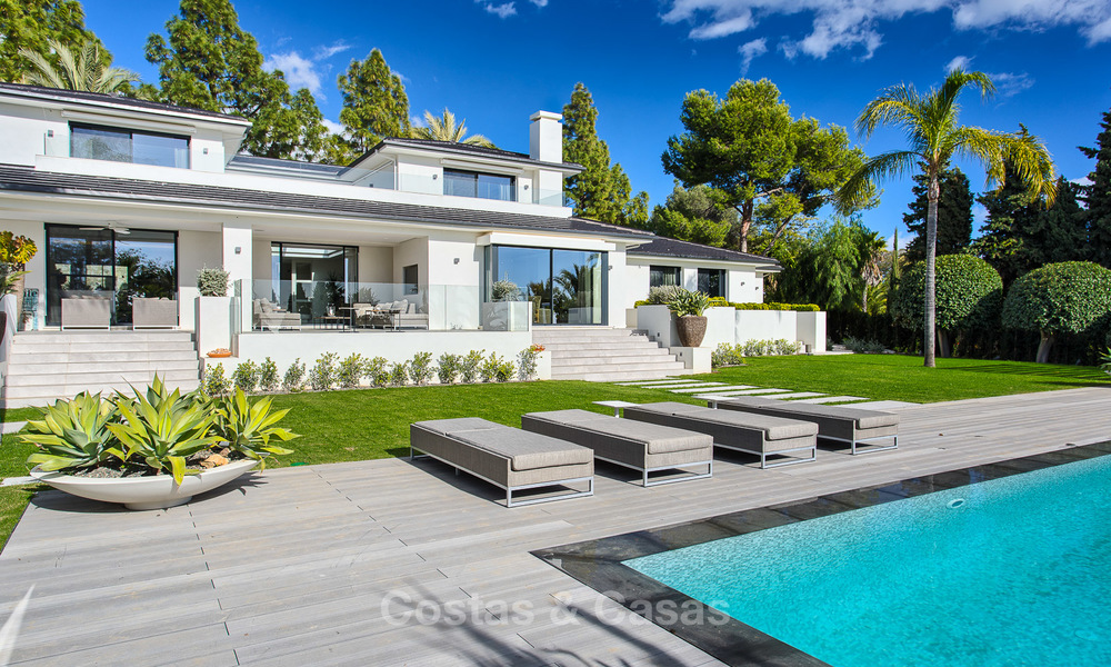 Attractive and spacious renovated luxury villa with majestic sea views for sale, Marbella East 3604