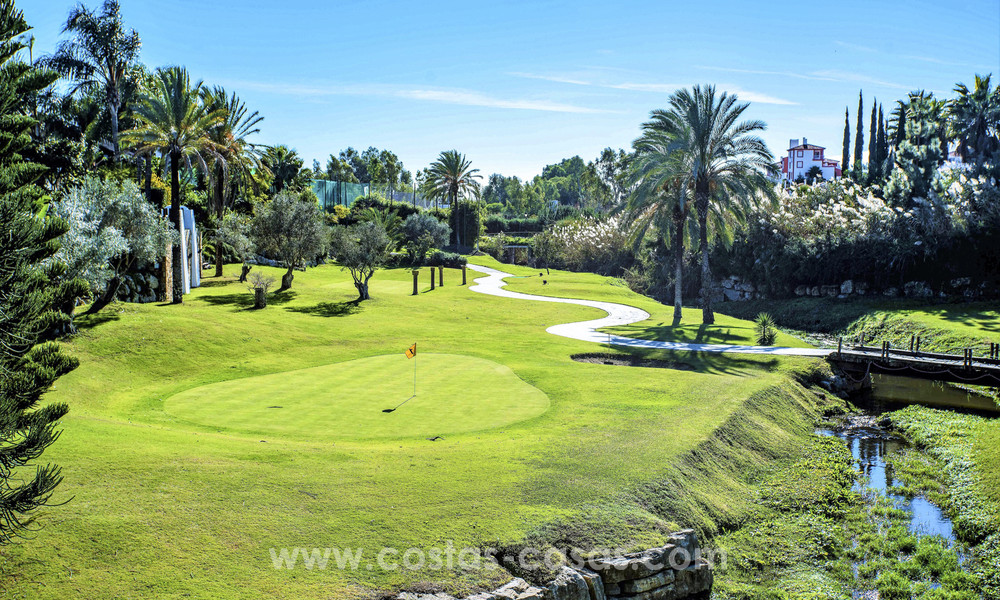 New, 'design your own', contemporary luxury villas for sale in an innovative project, golf area with golf and sea views in Estepona - Marbella 3633