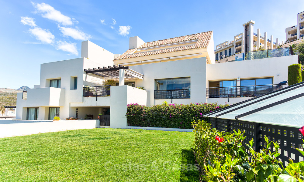 Luxury modern and spacious apartment for sale in a 5 star golf resort on the New Golden Mile in Benahavis - Marbella 3693