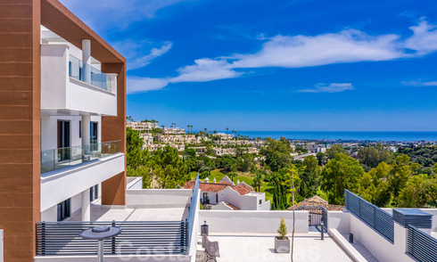 New, modern apartments for sale in a sought after area of Benahavis - Marbella. Key ready. 32390