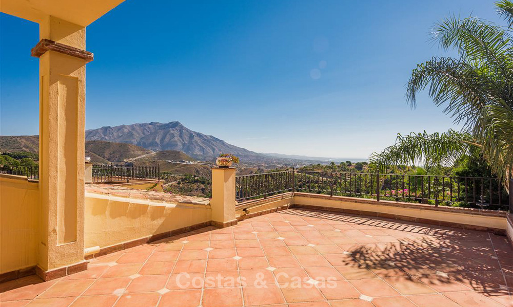 Charming and spacious Andalusian style villa for sale in El Madroñal, Benahavis - Marbella 3759