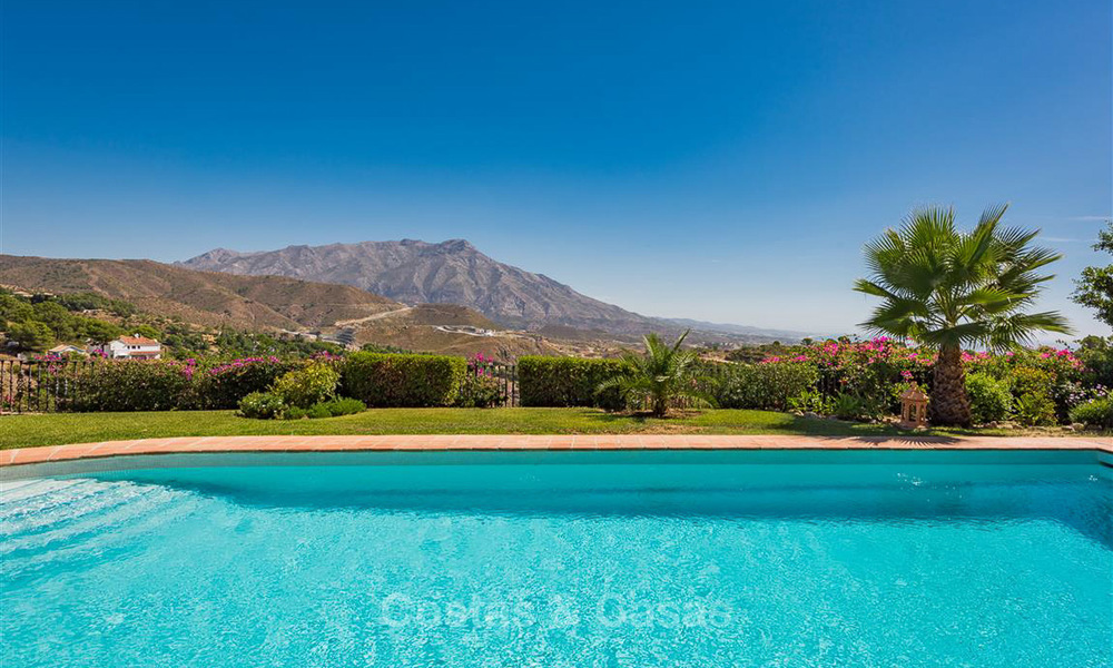 Charming and spacious Andalusian style villa for sale in El Madroñal, Benahavis - Marbella 3764