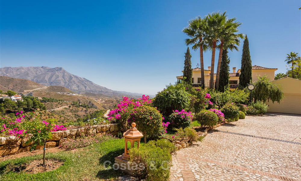 Charming and spacious Andalusian style villa for sale in El Madroñal, Benahavis - Marbella 3766