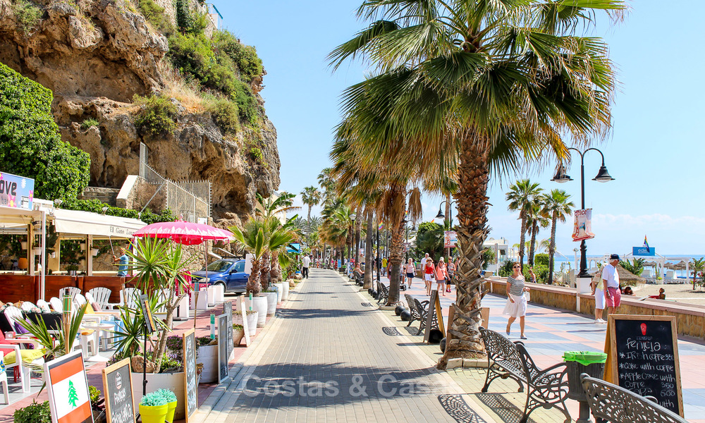 New modern beachfront apartments for sale in Torremolinos, Costa del Sol 4197