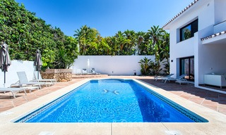 Recently renovated beach side luxury villa for sale in Los Monteros, East Marbella 4036