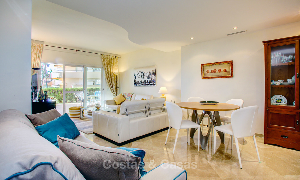 Charming, spacious south-facing luxury apartment for sale in a sought after golf urbanisation, Elviria - Marbella 4092