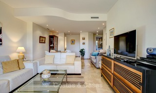 Charming, spacious south-facing luxury apartment for sale in a sought after golf urbanisation, Elviria - Marbella 4096