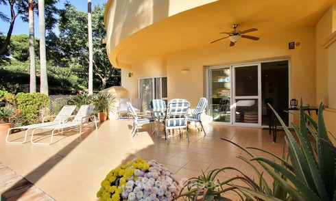 Charming, spacious south-facing luxury apartment for sale in a sought after golf urbanisation, Elviria - Marbella 4102