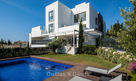 Only 8 modern exclusive apartments for sale, each with their own heated pool, on the Golden Mile, Marbella 4249