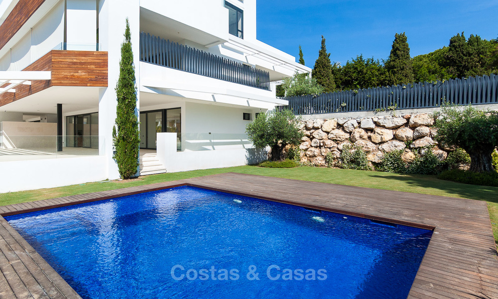 Last unit! Modern exclusive apartments for sale, each with their own heated pool, on the Golden Mile, Marbella 4261