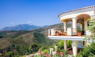 Exclusive villa for sale, in a gated resort, Marbella - Benahavis 22353
