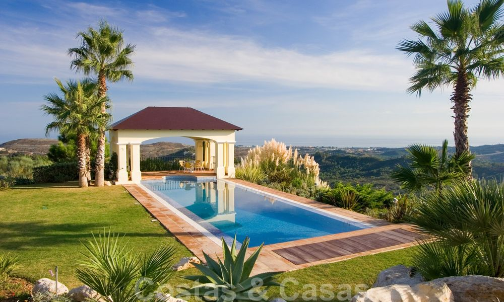 Exclusive villa for sale, in a gated resort, Marbella - Benahavis 22359