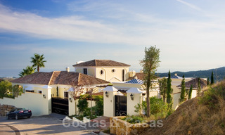 Exclusive villa for sale, in a gated resort, Marbella - Benahavis 22361