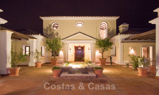 Exclusive villa for sale, in a gated resort, Marbella - Benahavis 22364