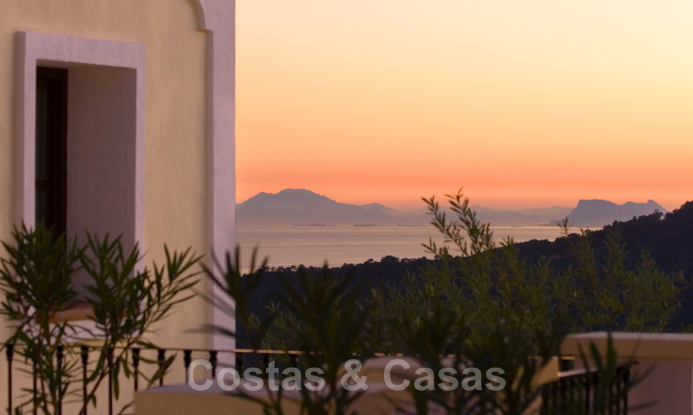 Exclusive villa for sale, in a gated resort, Marbella - Benahavis 22375