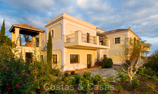 Exclusive villa for sale, in a gated resort, Marbella - Benahavis 22380