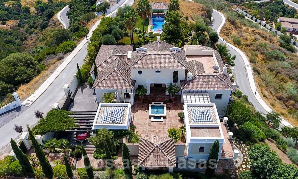 Exclusive villa for sale, in a gated resort, Marbella - Benahavis 22386