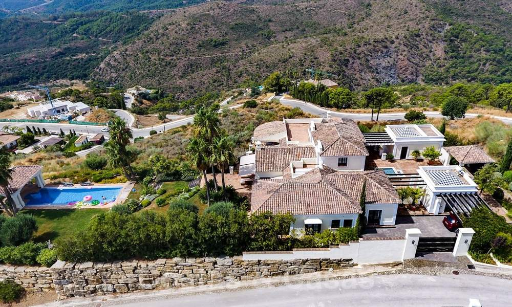 Exclusive villa for sale, in a gated resort, Marbella - Benahavis 22387