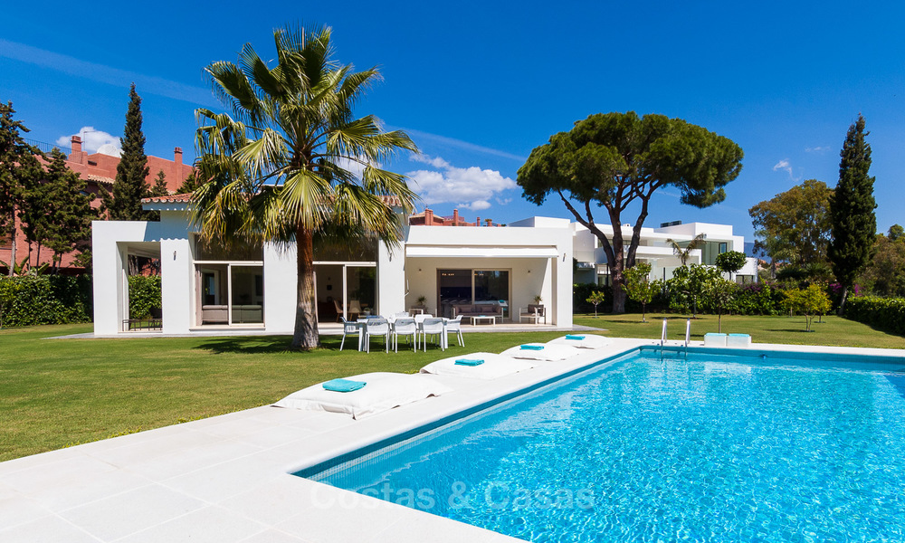 Modern villa for sale near the beach and frontline golf in Marbella - Estepona 4309