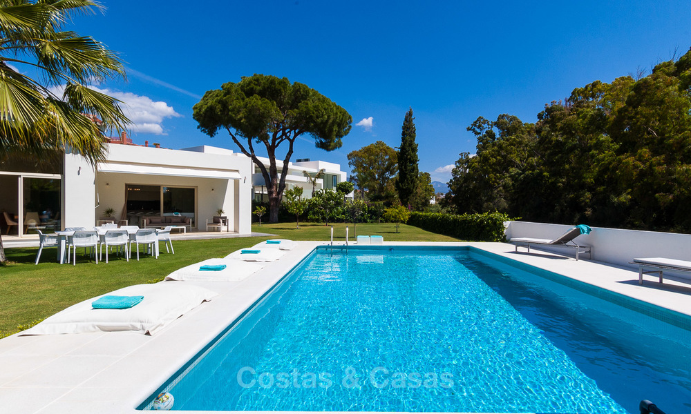 Modern villa for sale near the beach and frontline golf in Marbella - Estepona 4310