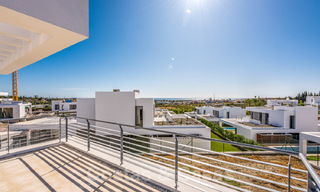 Special offer for the last villa! Key ready! Stunning, spacious, modern luxury villas with sea views for sale in a new complex between Estepona and Marbella 32053