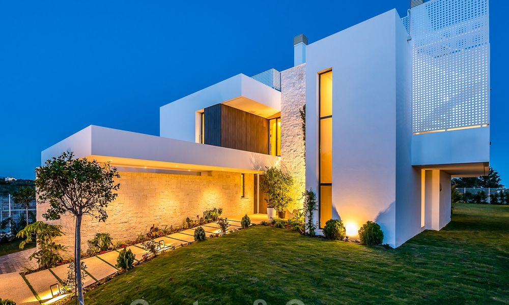 Delightful modern-contemporary villas for sale in a new boutique project between Estepona and Marbella 19695