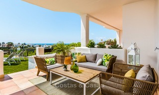 Bargain! Golf apartments and townhouses for sale in a golf resort, between Marbella and Estepona 4470