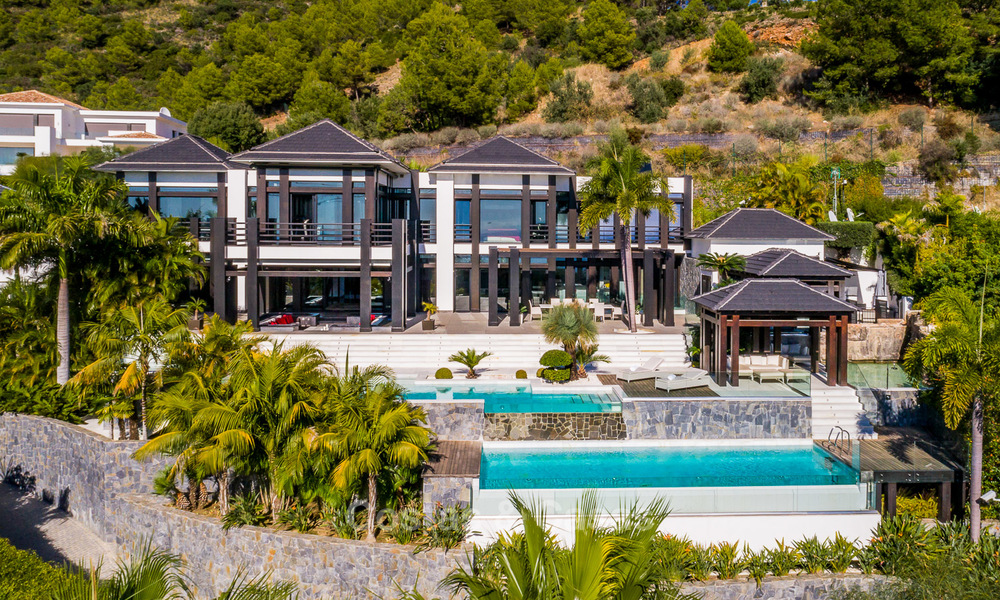 Very exclusive and majestic modern design villa with stunning sea views for sale, Golden Mile, Marbella 4558