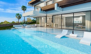 Modern villa for sale with beautiful open sea views, 5 minutes' walk to the beach - Estepona 4704