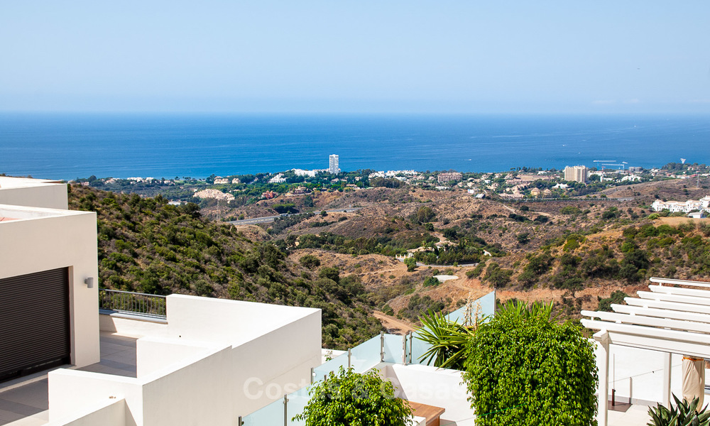 Luxury modern apartments for sale in Marbella with spectacular sea views 16218