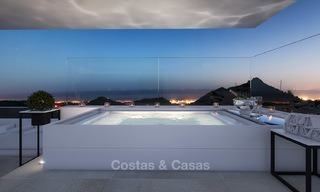 Modern luxury apartments for sale with uninterrupted sea views at a short drive from Marbella center. 4871