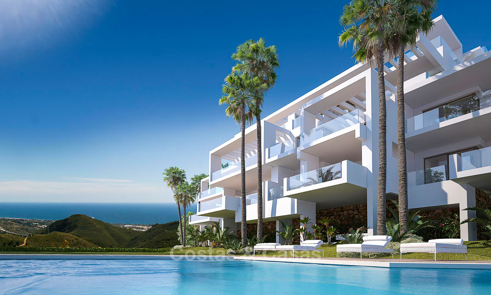 Modern luxury apartments for sale with uninterrupted sea views at a short drive from Marbella center. 4872