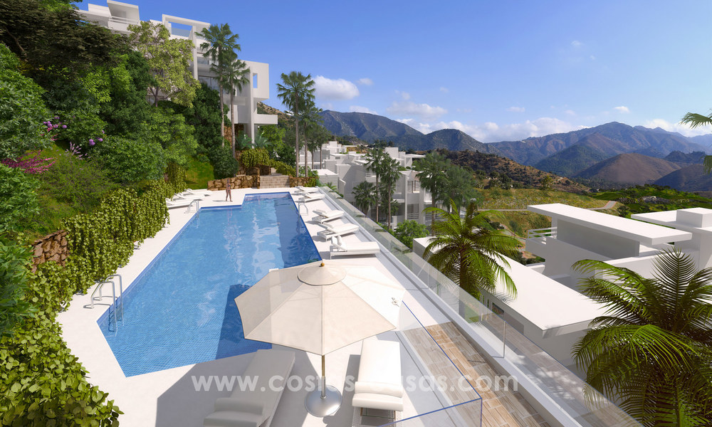 Modern luxury apartments for sale with uninterrupted sea views at a short drive from Marbella center. 4875