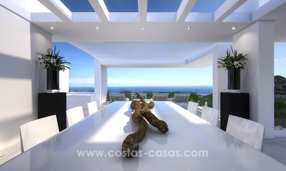 Modern-contemporary luxury apartments with marvellous sea views for sale, short drive to Marbella centre. 4930