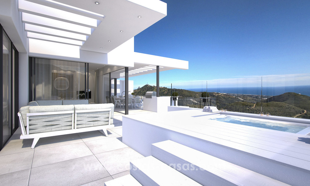 Modern-contemporary luxury apartments with marvellous sea views for sale, short drive to Marbella centre. 4935