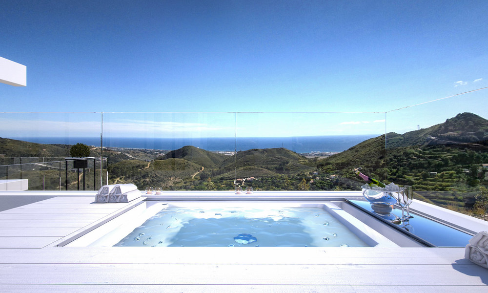 Modern-contemporary luxury apartments with marvellous sea views for sale, short drive to Marbella centre. 4936