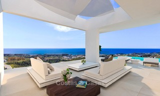 New modern-contemporary villas for sale, panoramic sea views, on the New Golden Mile between Marbella and Estepona 5104
