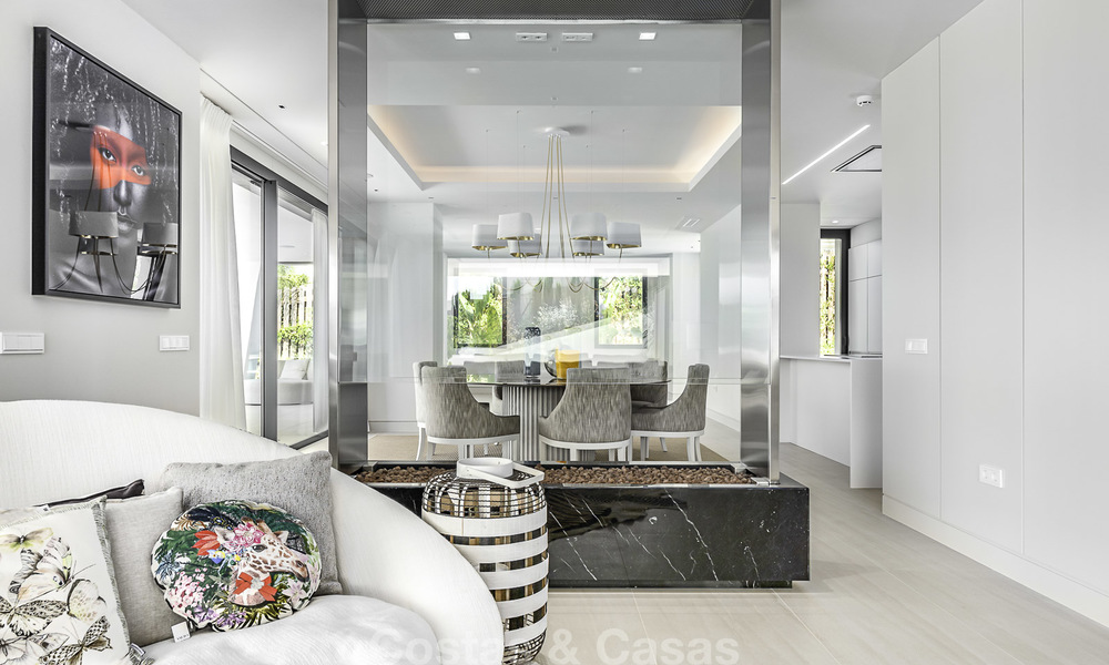 Impressive contemporary style luxury villa for sale in Nueva Andalucía, Marbella. Ready to move in and quality furnished. 15566