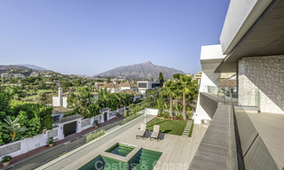 Impressive contemporary style luxury villa for sale in Nueva Andalucía, Marbella. Ready to move in and quality furnished. 15577