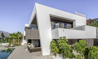 Impressive contemporary style luxury villa for sale in Nueva Andalucía, Marbella. Ready to move in and quality furnished. 15585