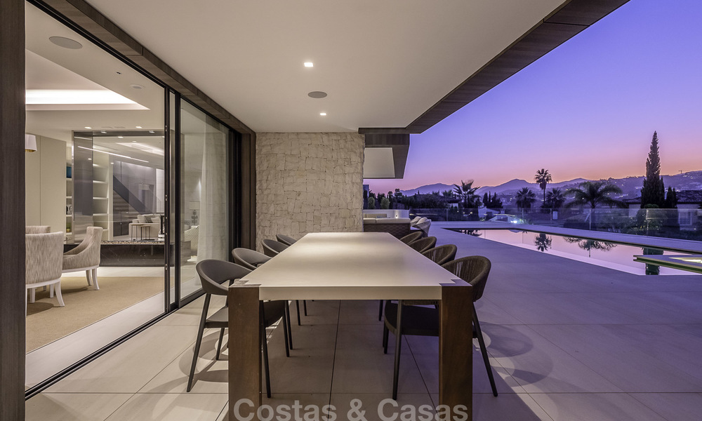 Impressive contemporary style luxury villa for sale in Nueva Andalucía, Marbella. Ready to move in and quality furnished. 15593