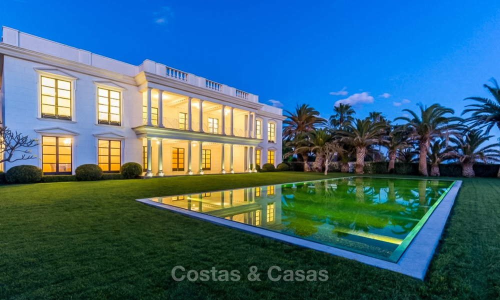 Prestigious palatial front line beach villa for sale, classic style, between Marbella and Estepona 5466