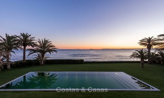 Prestigious palatial front line beach villa for sale, classic style, between Marbella and Estepona 5471