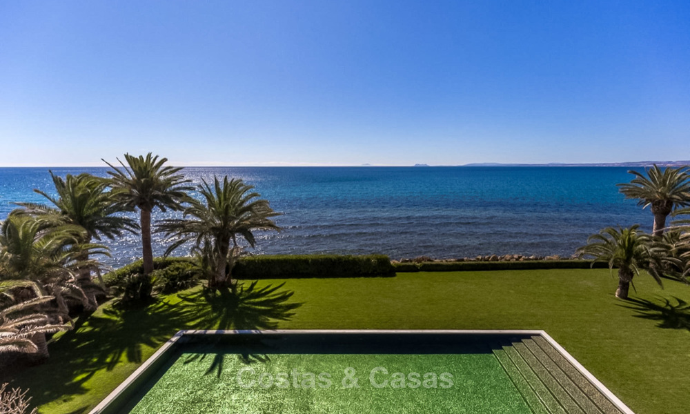 Prestigious palatial front line beach villa for sale, classic style, between Marbella and Estepona 5489