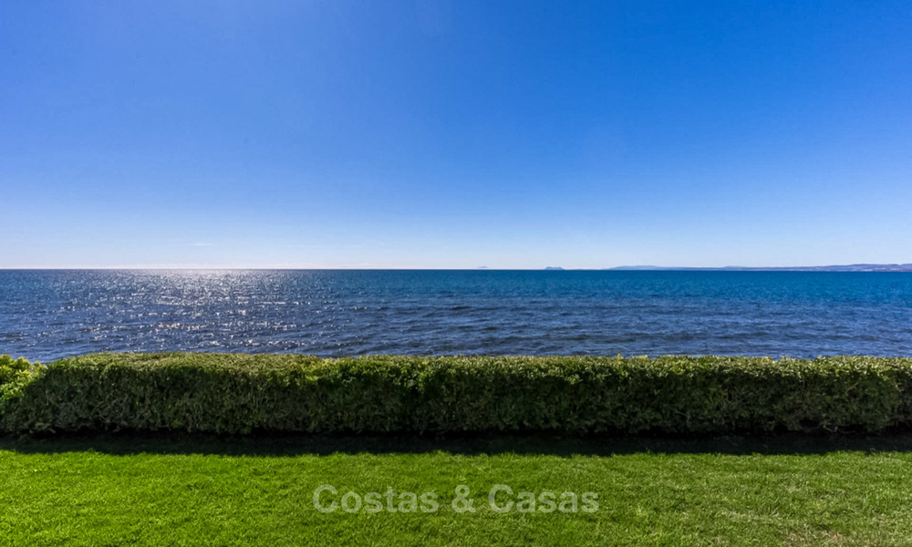 Prestigious palatial front line beach villa for sale, classic style, between Marbella and Estepona 5499
