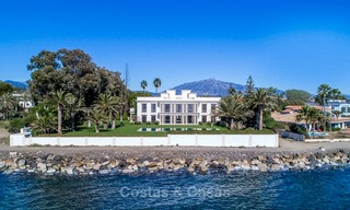 Prestigious palatial front line beach villa for sale, classic style, between Marbella and Estepona 5507