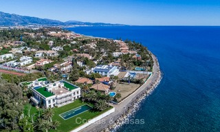 Prestigious palatial front line beach villa for sale, classic style, between Marbella and Estepona 5510